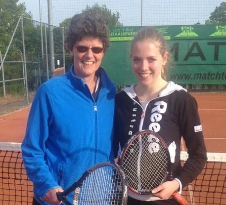 Maaike-Sanne-Tennis-Small
